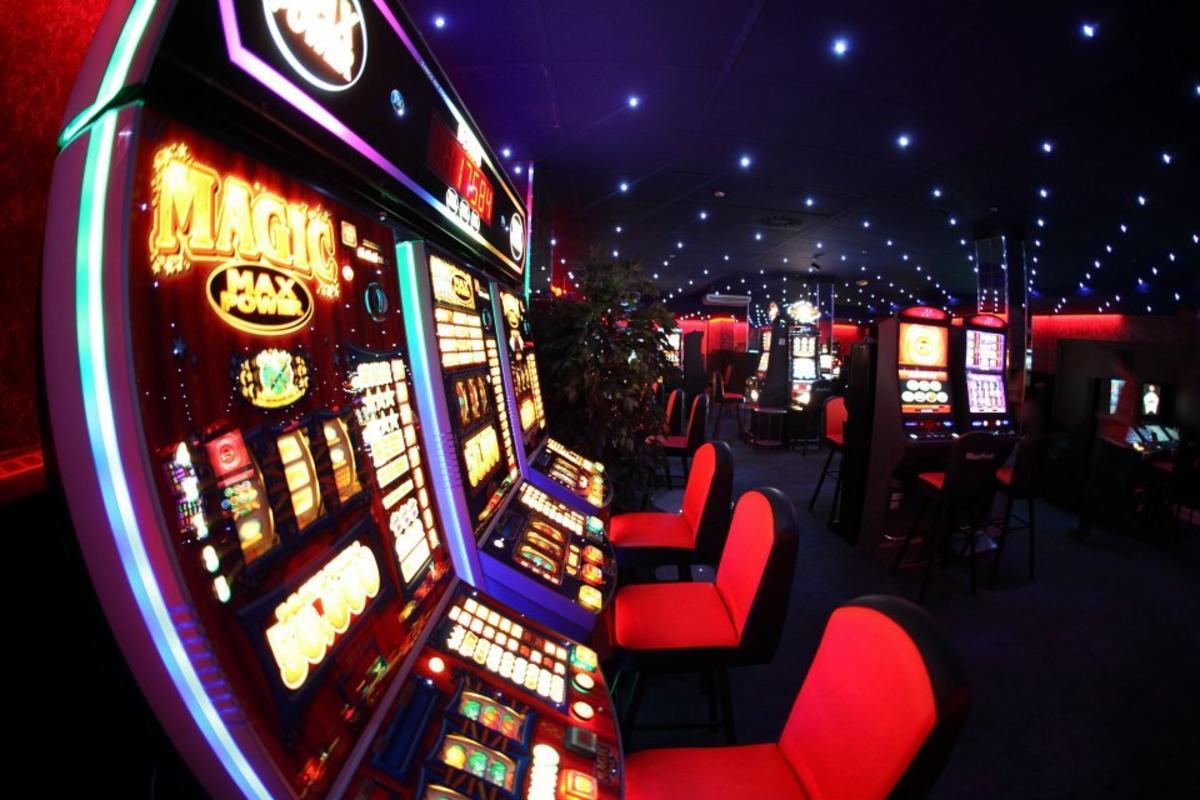Скачать казино онлайн на деньги